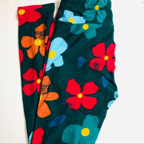 LuLaRoe Pants - LuLaRoe OS Green Floral Leggings